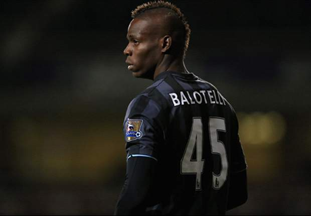 Mancini: Balotelli must earn another chance at Manchester City