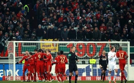 Augsburgo 0 2 bayern m nich victoria a medio gas taringa for Puerta jakober augsburgo