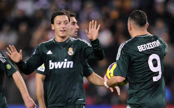 Ozil, Benzema - Valladolid v Real Madrid