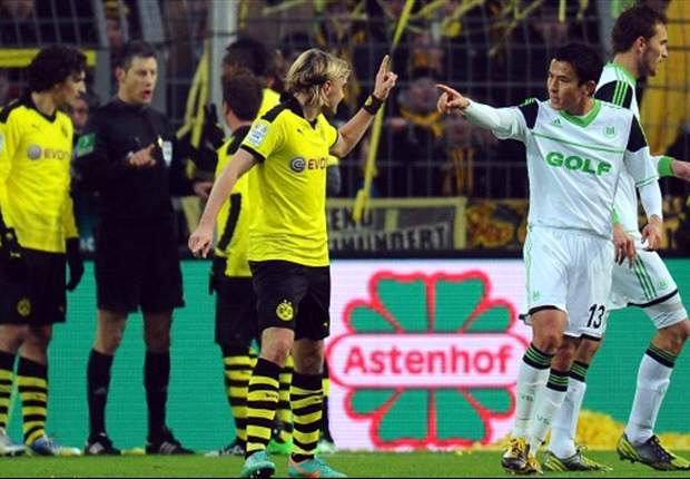 Dortmund left-back Schmelzer's red card rescinded