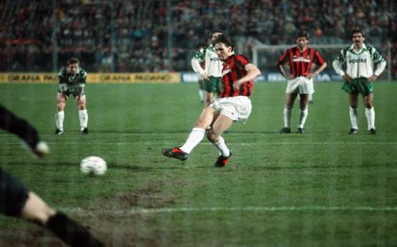 Van Basten: I'm training to coach Milan