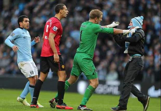Thug who confronted Ferdinand at Manchester derby loses job as Sir Bobby Charlton's gardener