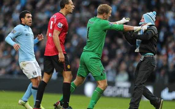 FA to investigate coin attack on Rio Ferdinand