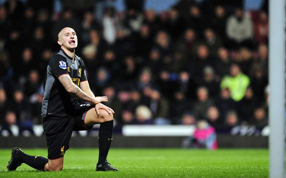 Stoke City Sasar Jonjo Shelvey