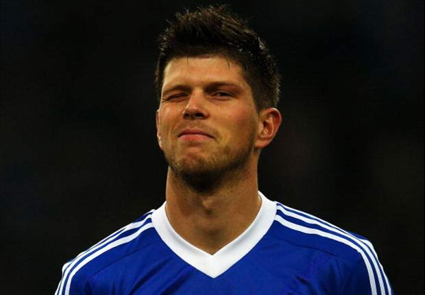 Huntelaar signs new Schalke deal