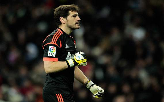 Casillas wins Goalkeeper of the Year award