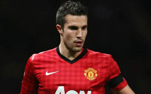 TEAM NEWS: Rooney &amp; Van Persie start in attack for Manchester United against Everton