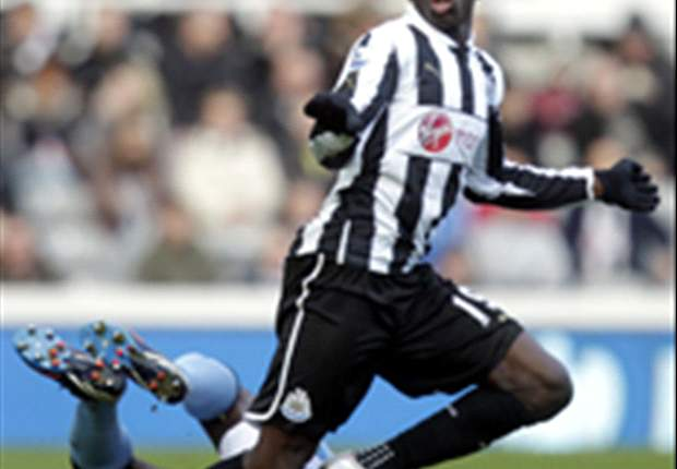 Newcastle boss Pardew hopeful on Ba stay