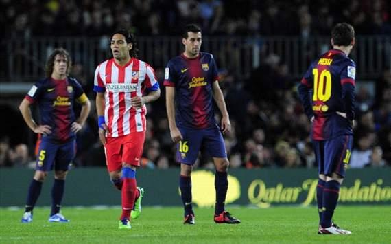 Radamel Falcao, Sergio Busquets - FC Barcelona v Atletico Madrid