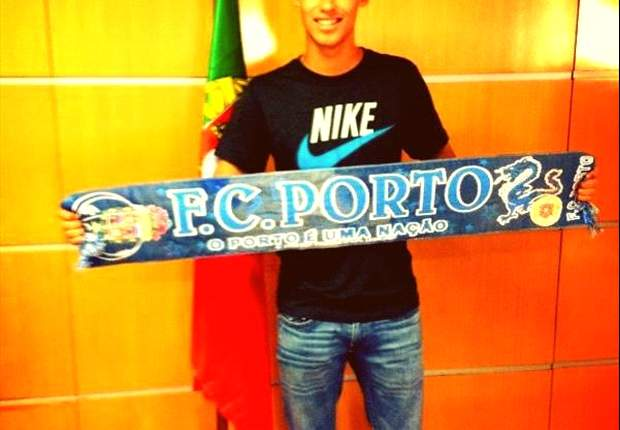 Diego Reyes announces Porto move for the summer
