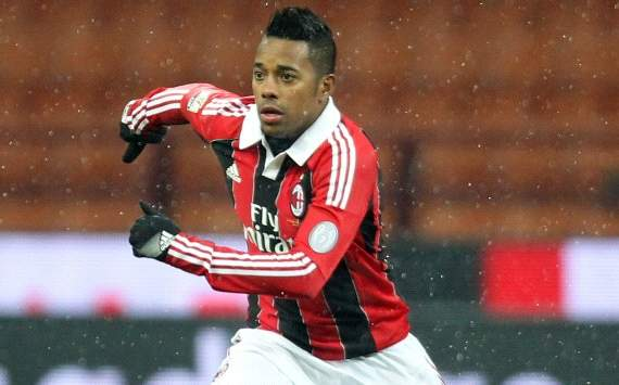 Robinho: Milan must attack against Barcelona