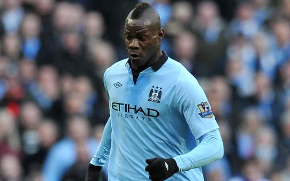 Balotelli accepts two-week Manchester City fine