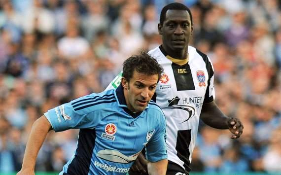 Alessandro Del Piero - Sydney FC - Emile Heskey - Newcastle Jets