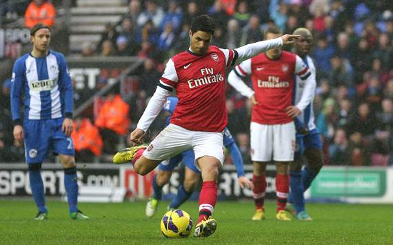 Arsenal midfielder Arteta out for three weeks, says Wenger