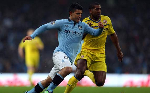 EPL, Manchester City v Reading, Sergio Aguero, Mikele Leigertwood