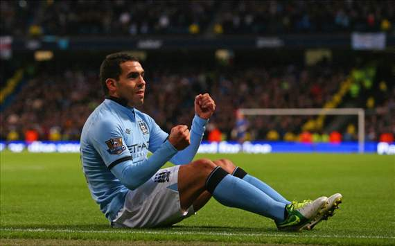 Manchester City strikers motivated by Mancini's Van Persie praise, insists Tevez