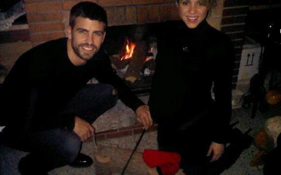 Gerard Pique and Shakira- Christmas gathering