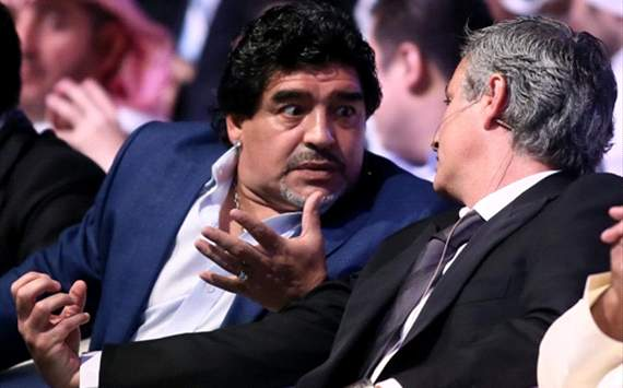 Diego Maradona Bela Keputusan Jose Mourinho