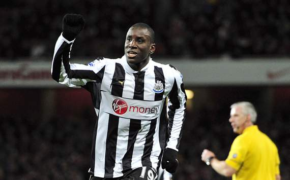 Newcastle boss Pardew criticises representatives of Chelsea target Demba Ba