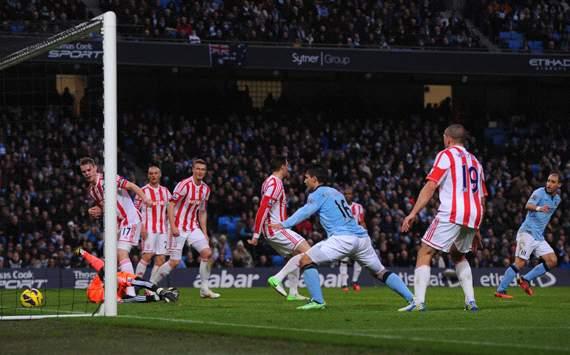 EPL, Manchester City v Stoke City, Pablo Zabaleta