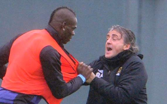 Mancini dismisses Balotelli exit rumours