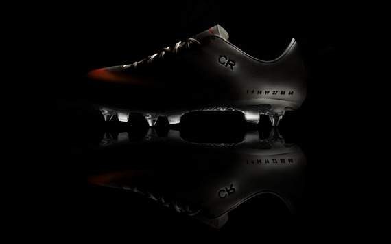 Cristiano Ronaldo boots CR MERCURIAL IX made by Nike