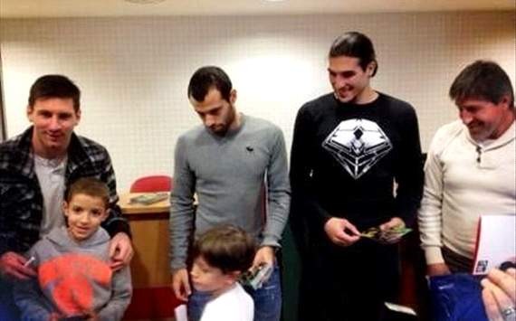 Pinto, Messi, Mascherano - Barcelona