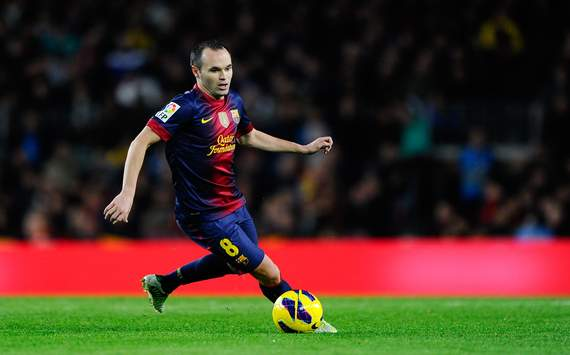 Zubizarreta praises 'magician' Iniesta after Barcelona win