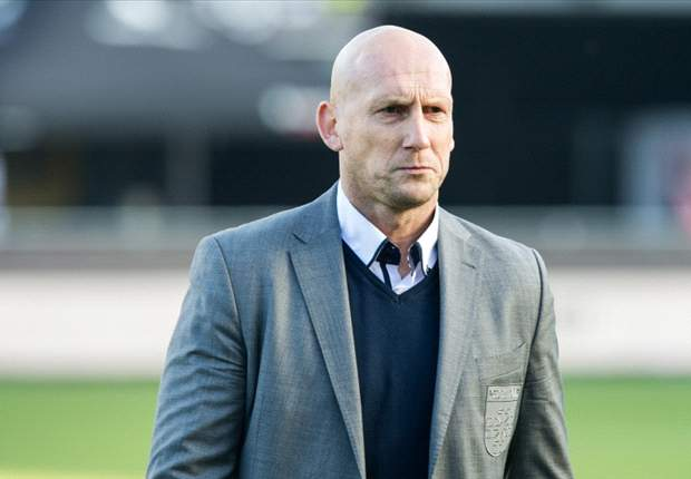 Stam becomes assistant coach at Ajax