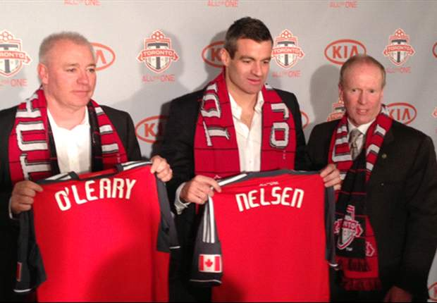 Word on the Tweet: Friedel salutes new Toronto head coach Nelsen &amp; Cleverley effuses over Bradford City