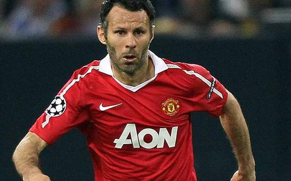 Giggs seguir jugando en el Manchester United con 40 aos