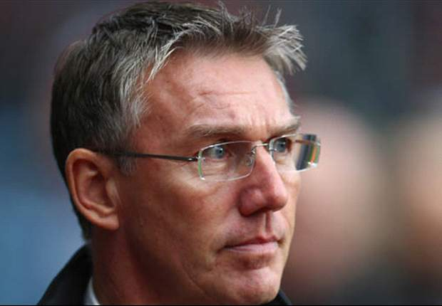 Southampton fans to protest Adkins sacking with white handkerchiefs