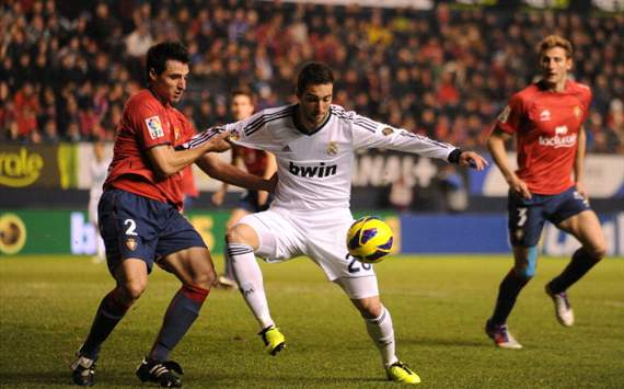 Gonzalo Higuan, Rubn Gonzlez - Osasuna v Real Madrid