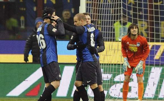 Cassano, Palacio e Chivu in Inter-Siena (Getty Images)