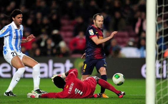 Andrés Iniesta, Carlos Kameni - FC Barcelona v Málaga