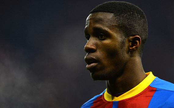 El Manchester United lanza una oferta de 27 millones de dlares por Zaha y gana terreno al Arsenal