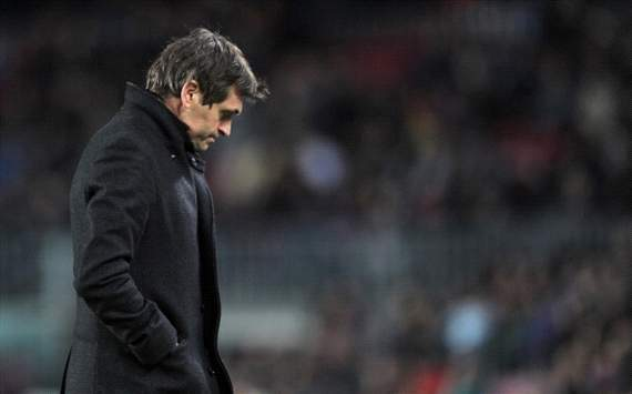 Vilanova frustrated by Pique sending off in Sociedad defeat