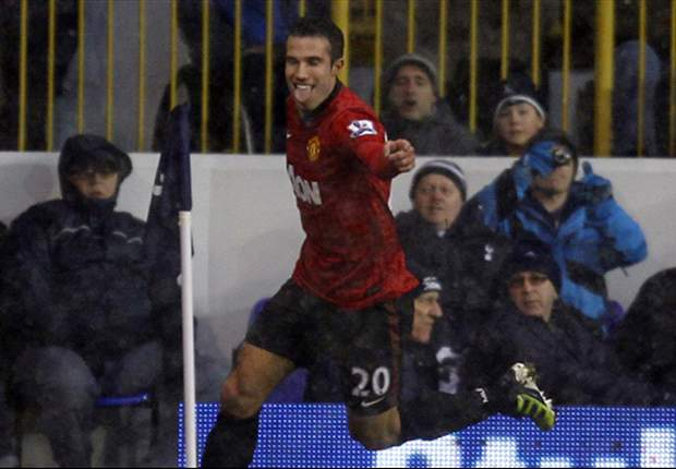 We checked with Giggs & Scholes before signing Van Persie, says Manchester United coach