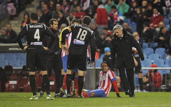 Radamel Falcao injured - Atlético Madrid v Levante