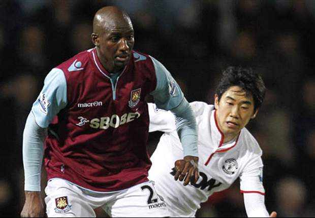 Allardyce to hold talks with Alou Diarra on West Ham future