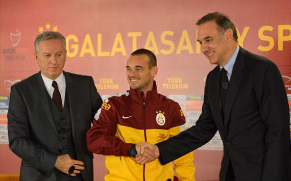 Galatasaray vooral een stap achteruit voor Sneijder