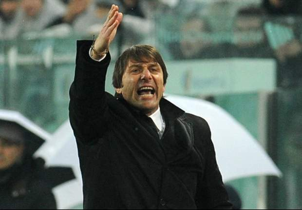 Conte: Referee has to hand back licence