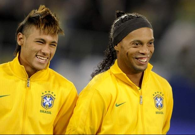 Ronaldinho: Rooney would walk into any national team squad