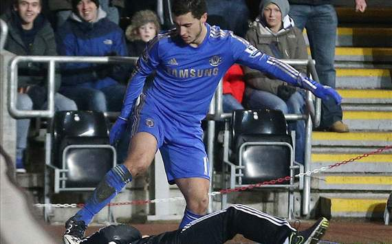 Tendang Ball Boy, Eden Hazard Minta Maaf