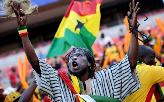Ghana's supporter cheers prior the 2013 Africa Cup of Nations football match between Ghana and DR Congo