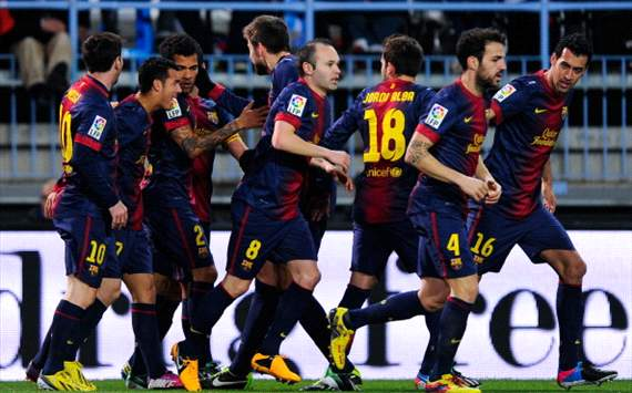 Barcelona celebrates against Málaga