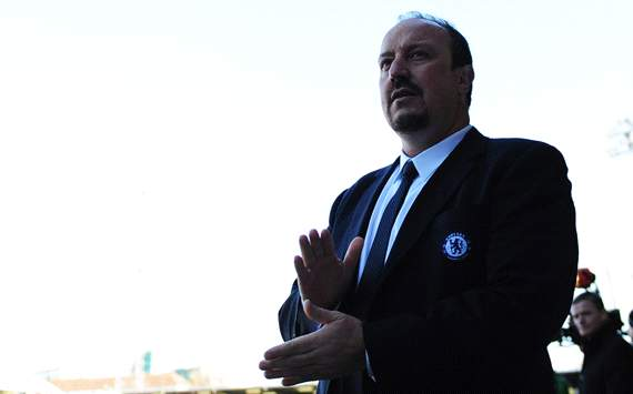 Benitez: I haven't spoke to Chelsea owner Abramovich in almost three weeks