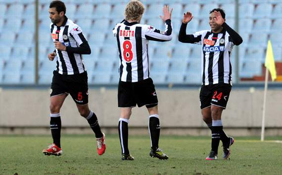 Udinese celebrating vs Siena