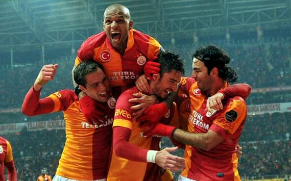 STSL: Galatasaray players celebrating a goal