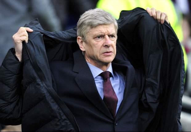 Wenger dismisses Pulis criticism over Arsenal 'surrounding officials'